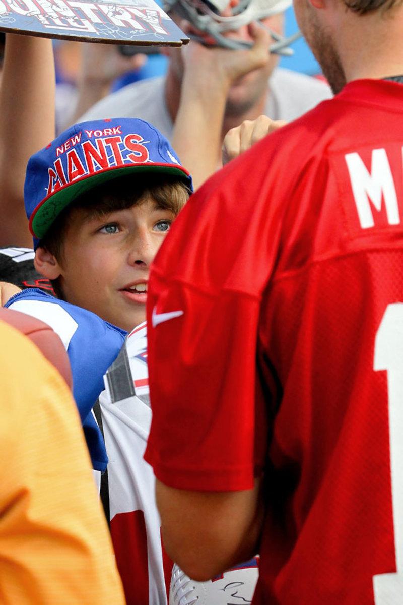 New-York-Giants-Eli-Manning-fan.jpg