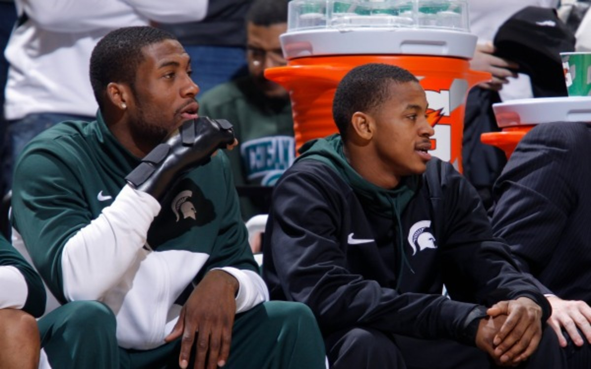 Michigan State guard Keith Appling (right) is averaging 15 points a game this season. (AP Photo/Al Goldis)