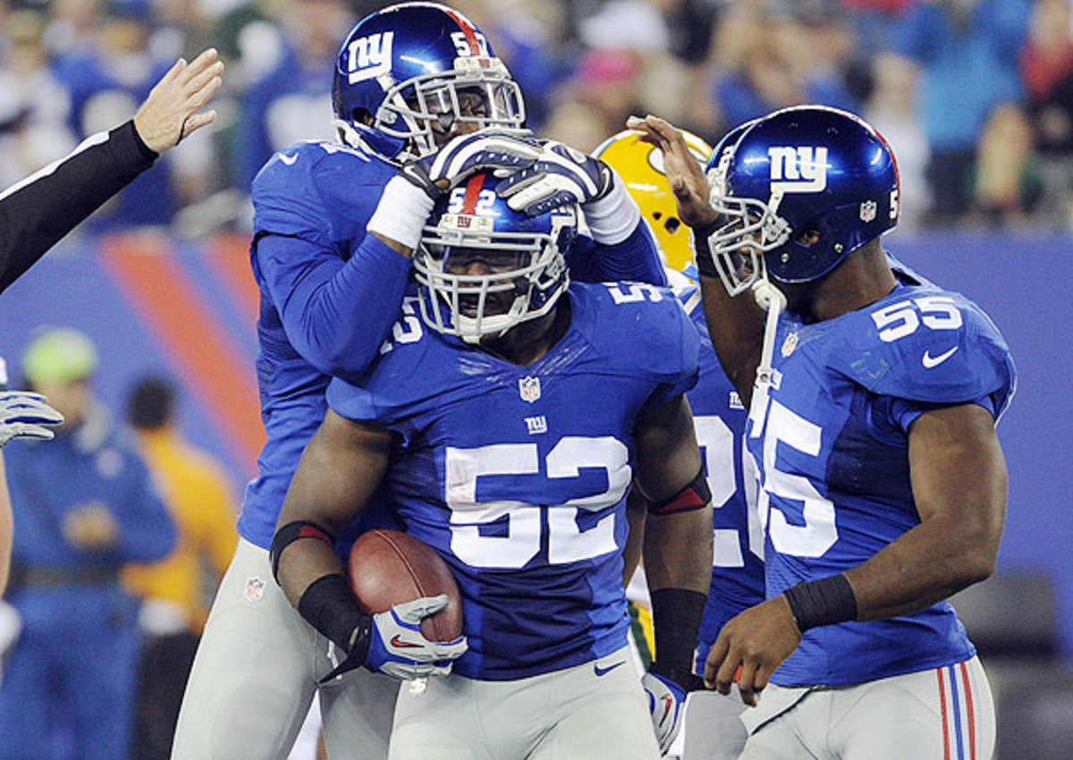 Jon Beason carted off with foot injury during New York Giants OTAs