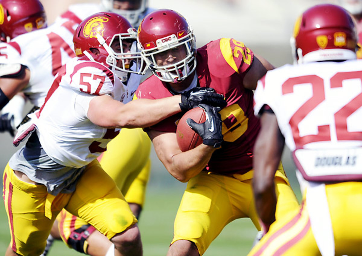 The USC defense smothered the offense in the Trojans' spring game.