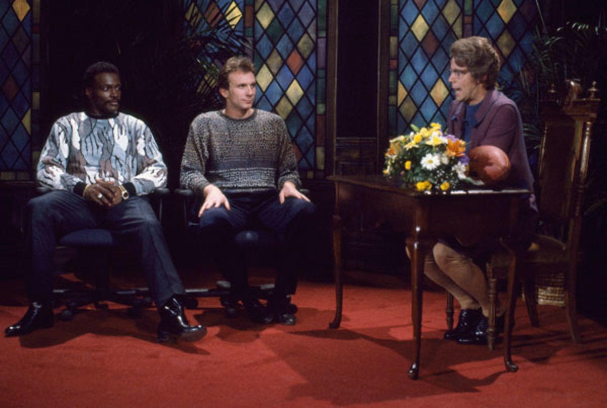 Walter Payton, Joe Montana and Dana Carvey :: Getty Images