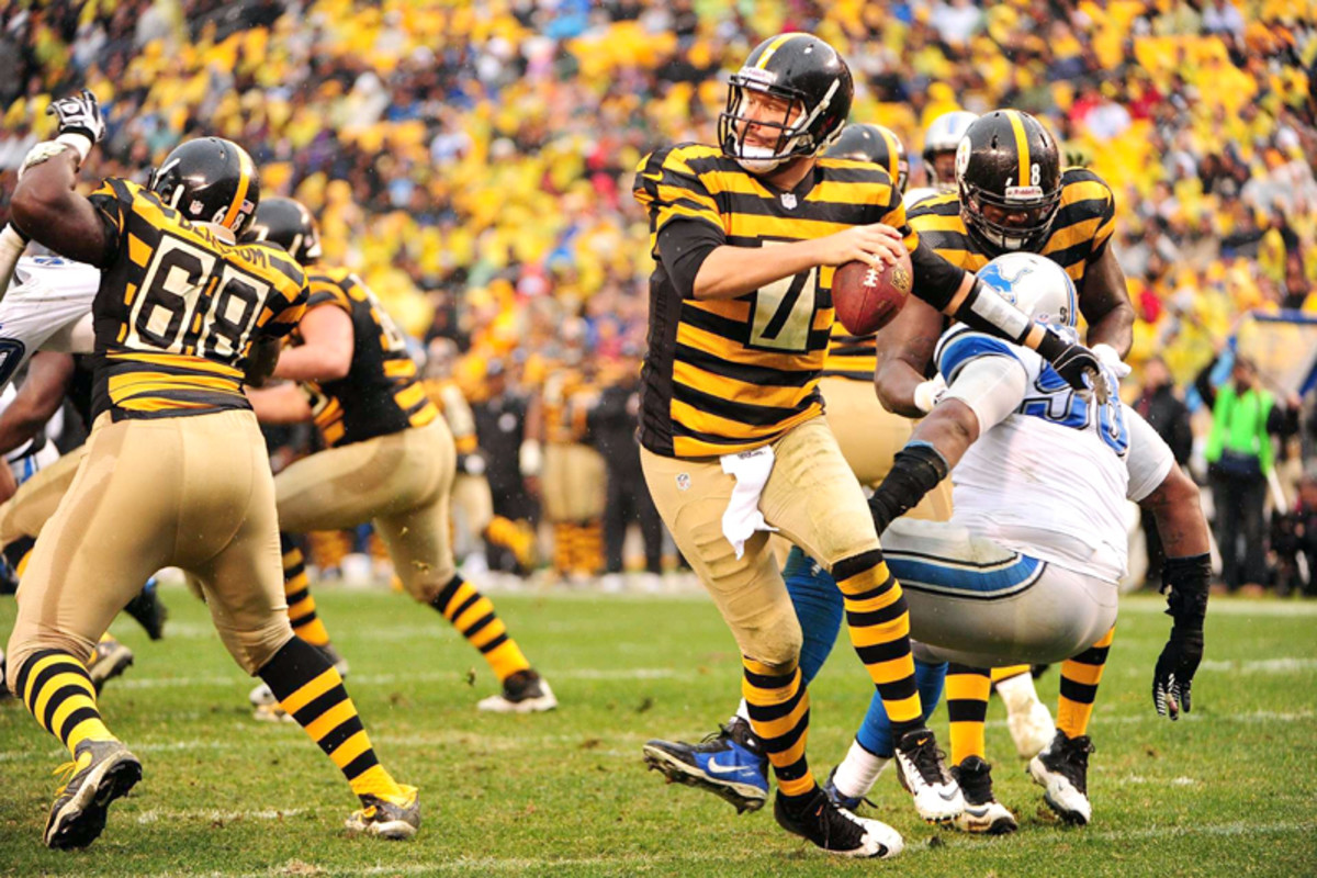 Roethlisberger's ability to extend plays is second to none. (Fred Vuich for Sports Illustrated)
