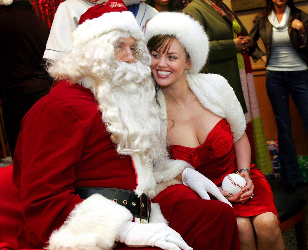 Kris-Benson-Santa-wife-Anna-Mrs-Claus.jpg