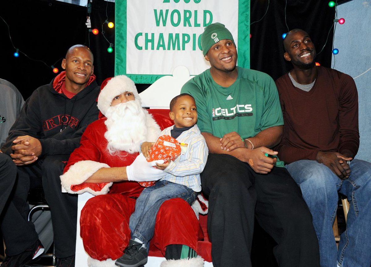 Patrick-O'Bryant-Santa.jpg