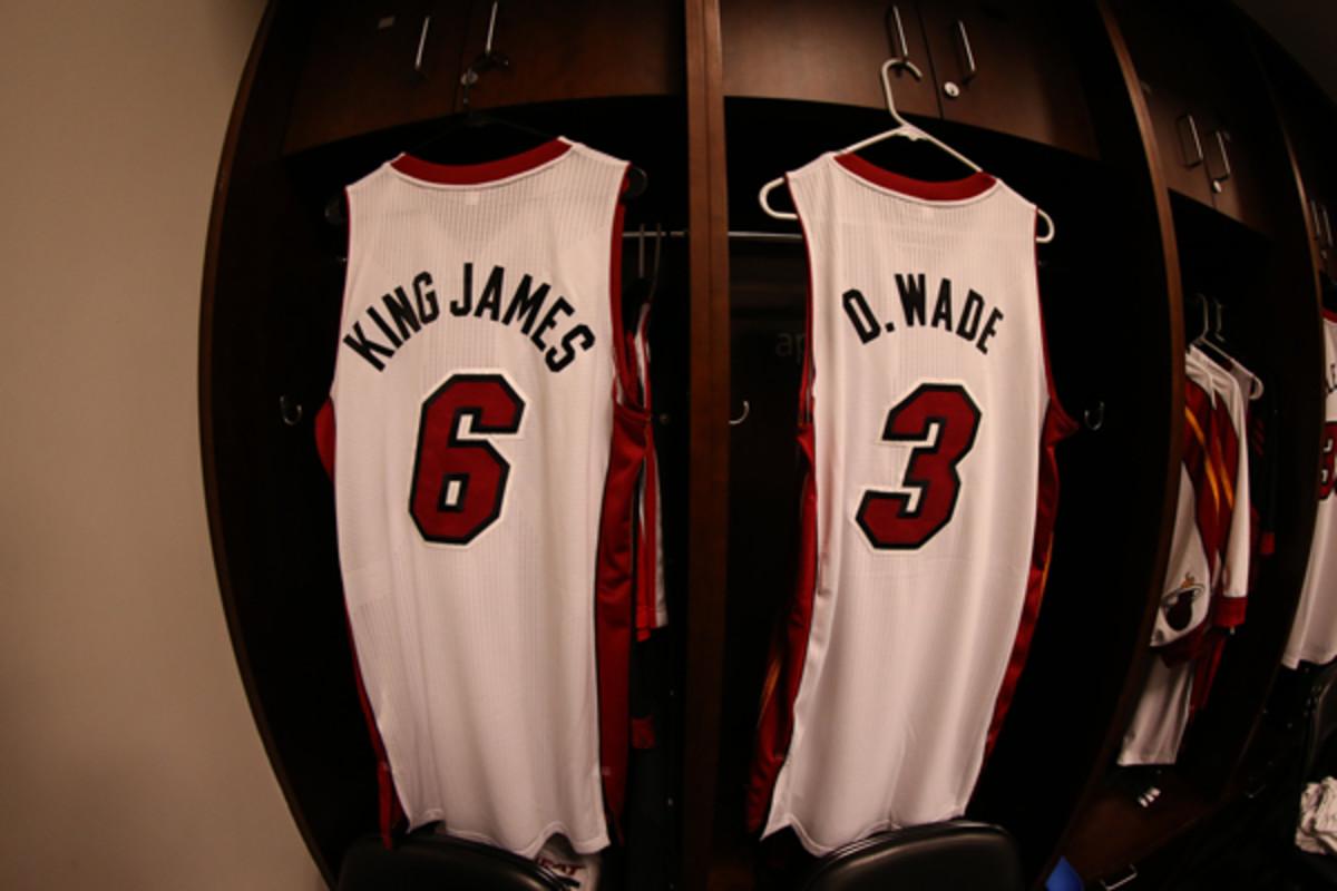 dwyane-wade-nickname-jersey.jpg