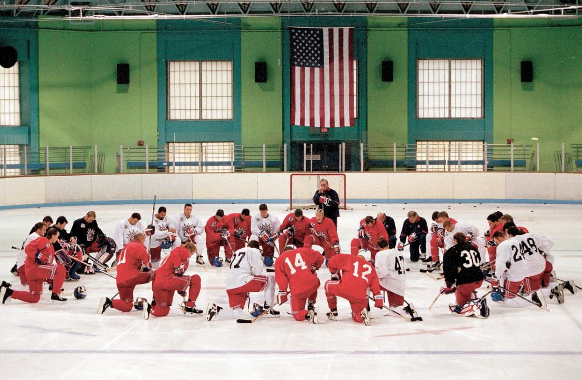 New-York-Rangers-practice-prayer-001238756.jpg