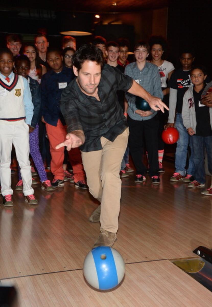 Paul Rudd 2nd Annual All-Star Bowling Benefit - Inside
