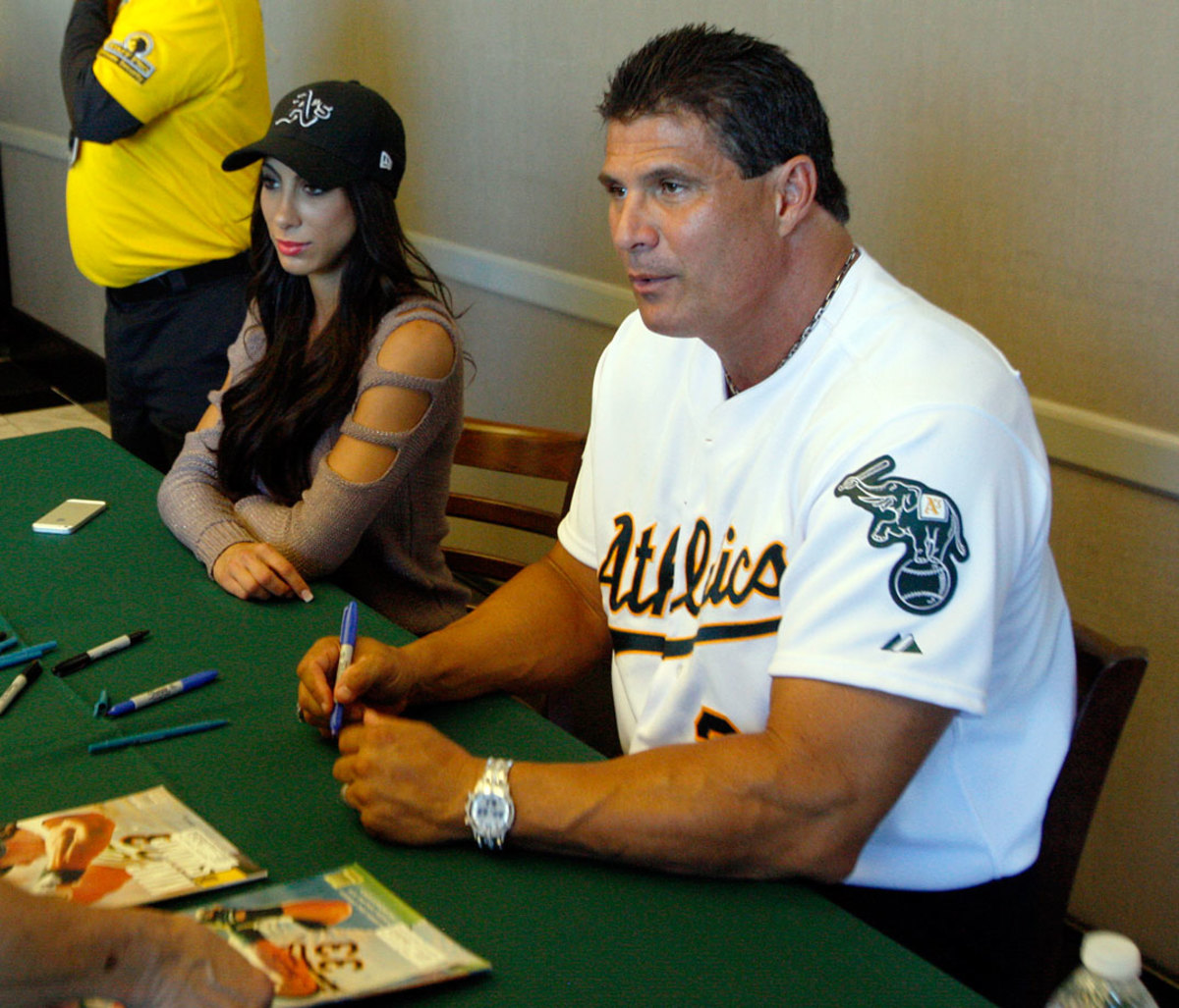 2014-Jose-Canseco-fiancee-Leila-Knight.jpg