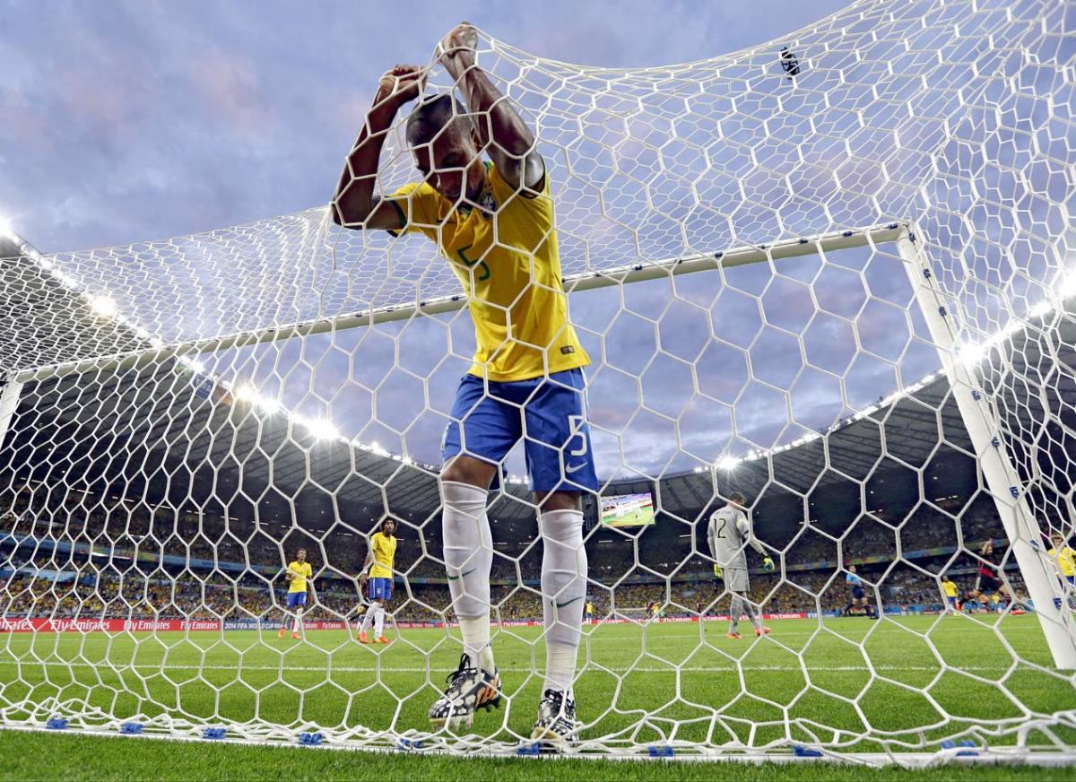 2014-Brazil-Germany-World-Cup-Fernandinho.jpg