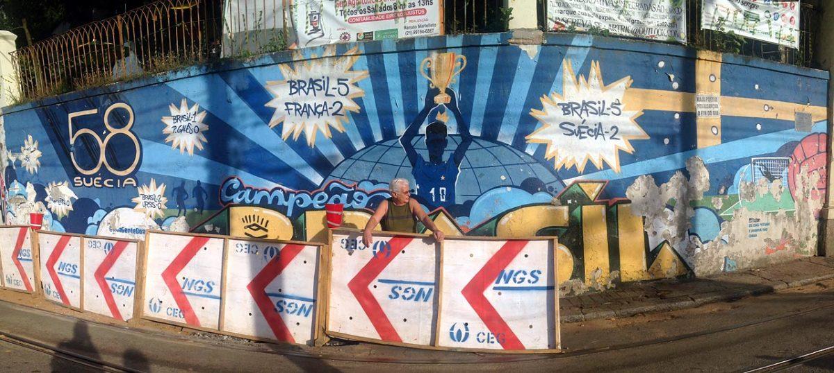 soccer-graffiti-mural-rio-photo-1.jpg