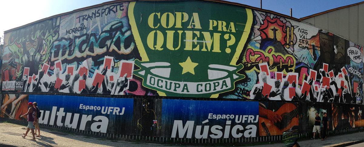 soccer-graffiti-mural-rio-IMG_8600.jpg