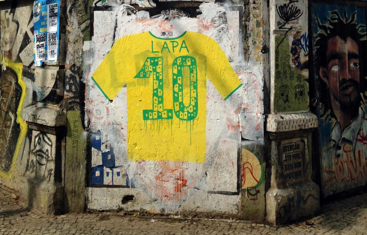 soccer-graffiti-mural-rio-IMG_8500.jpg