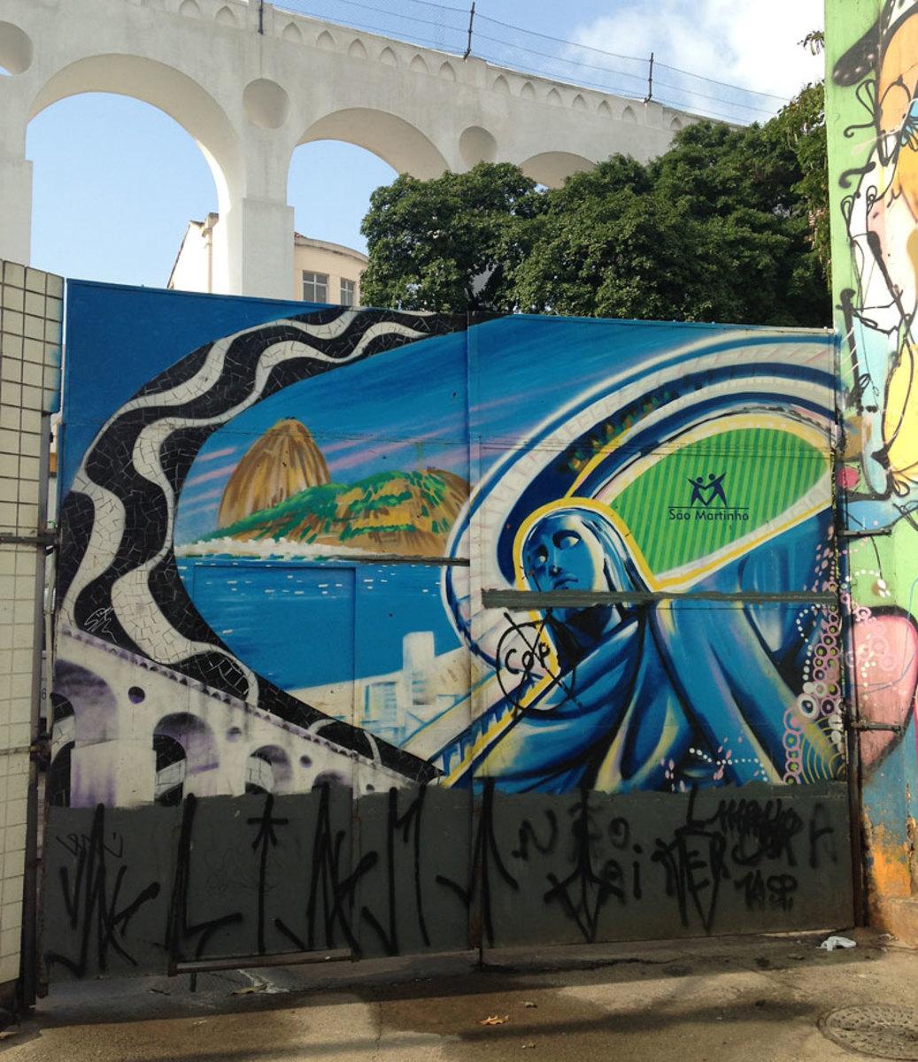soccer-graffiti-mural-rio-IMG_8501.jpg
