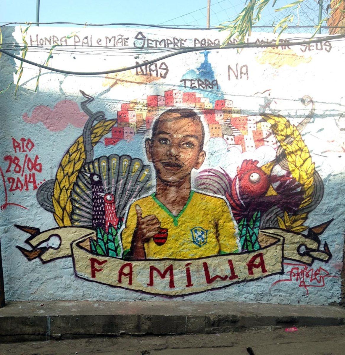 soccer-graffiti-mural-rio-IMG_8570.jpg