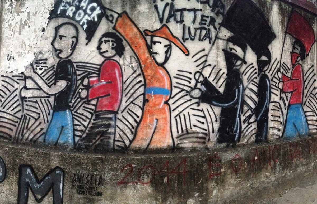 soccer-graffiti-mural-rio-IMG_8650.jpg