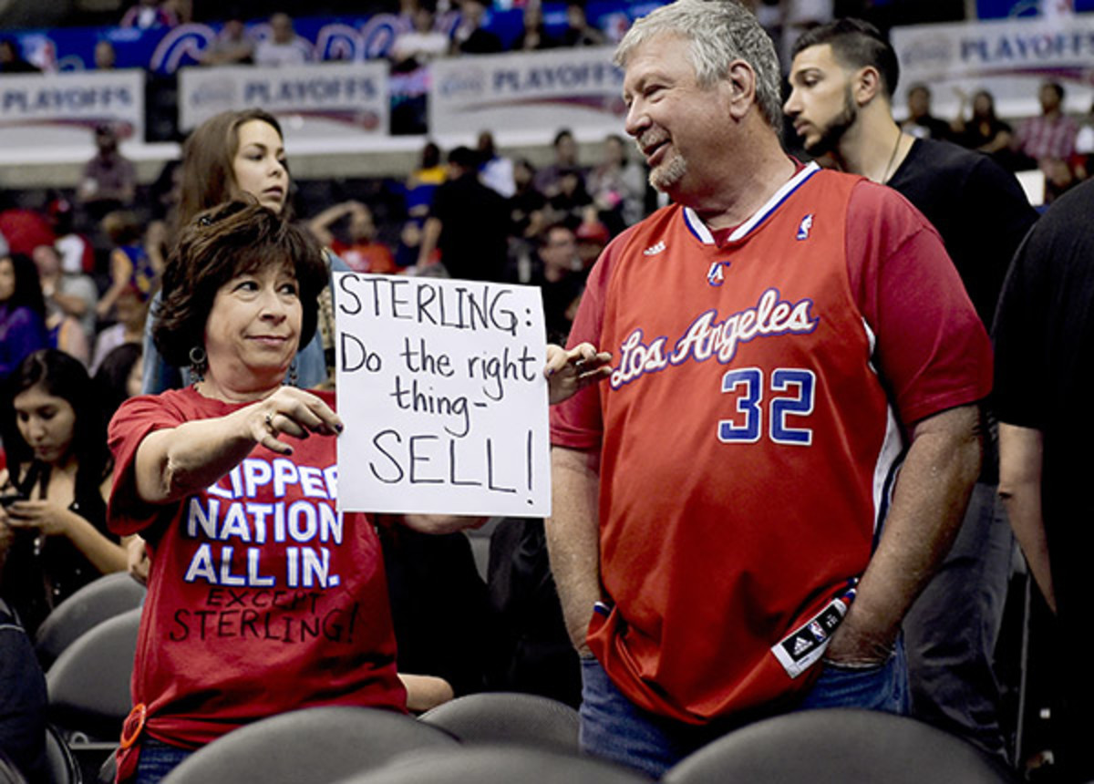 Los Angeles Clippers fans (AP)