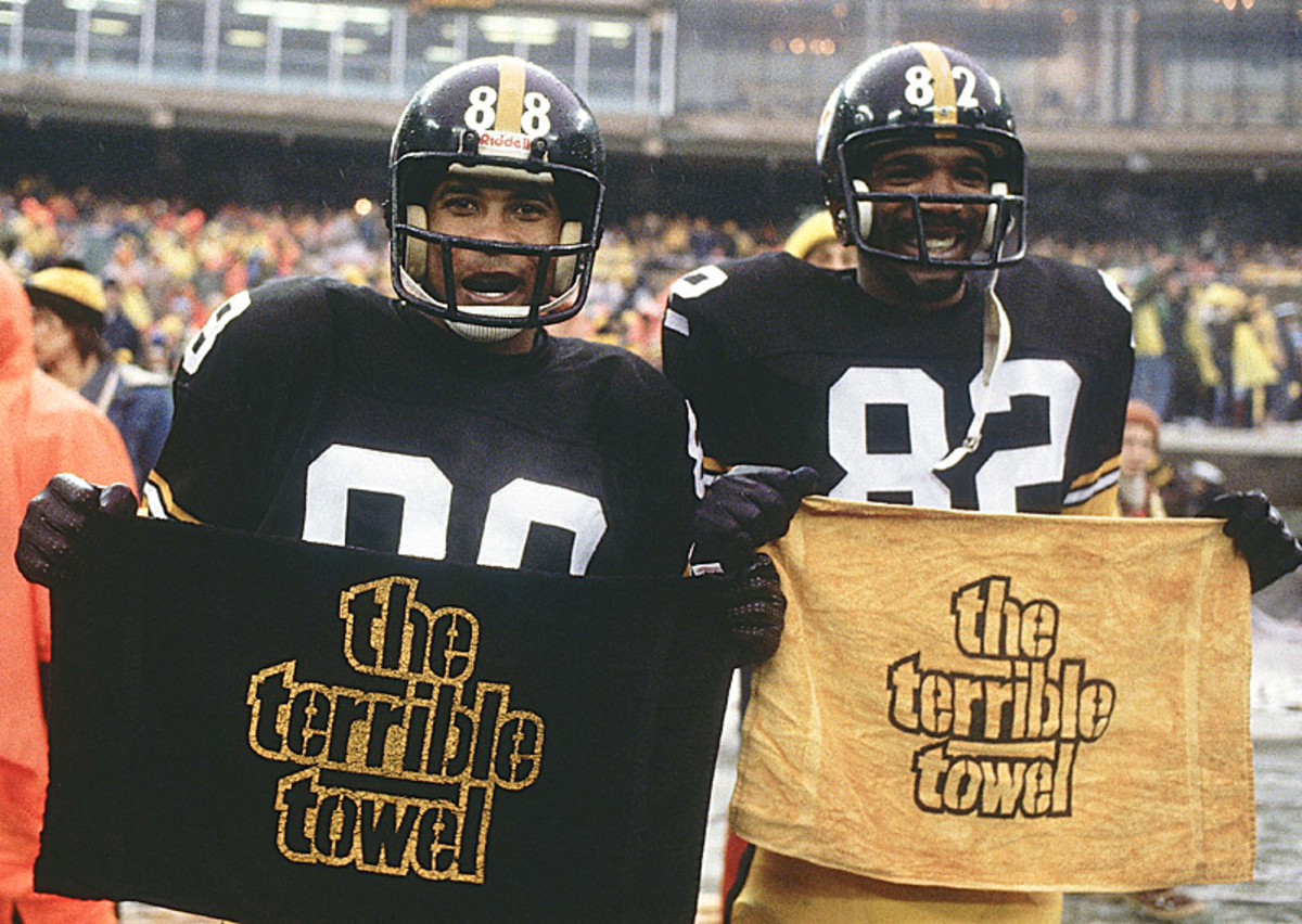 Future Hall of Famers Lynn Swann (left) and John Stallworth show off their Terrible Towels after beating Houston to earn a trip to Super Bowl XIII. (Heinz Kluetmeier/Sports Illustrated)