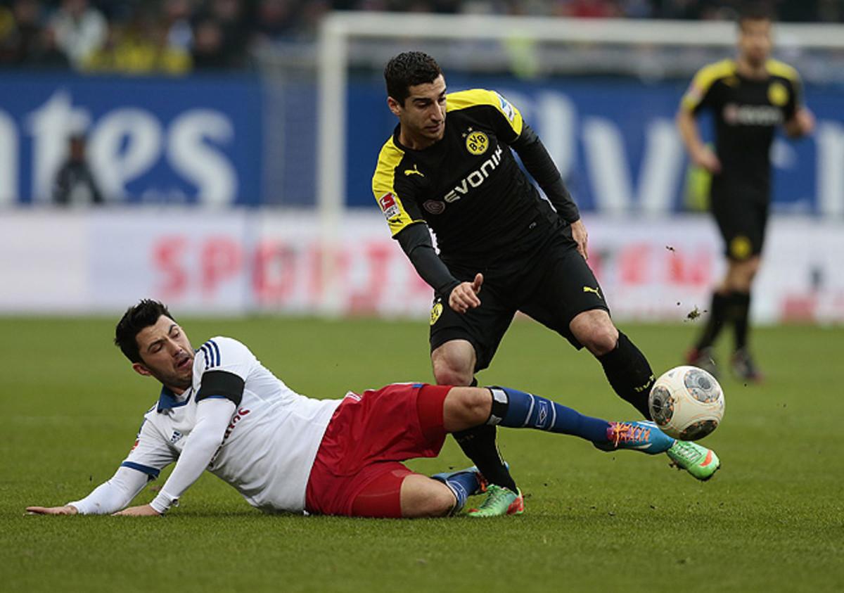 Tolgay Arslan (left) and Hamburg made life difficult for Robert Lewandowski and Borussia Dortmund.