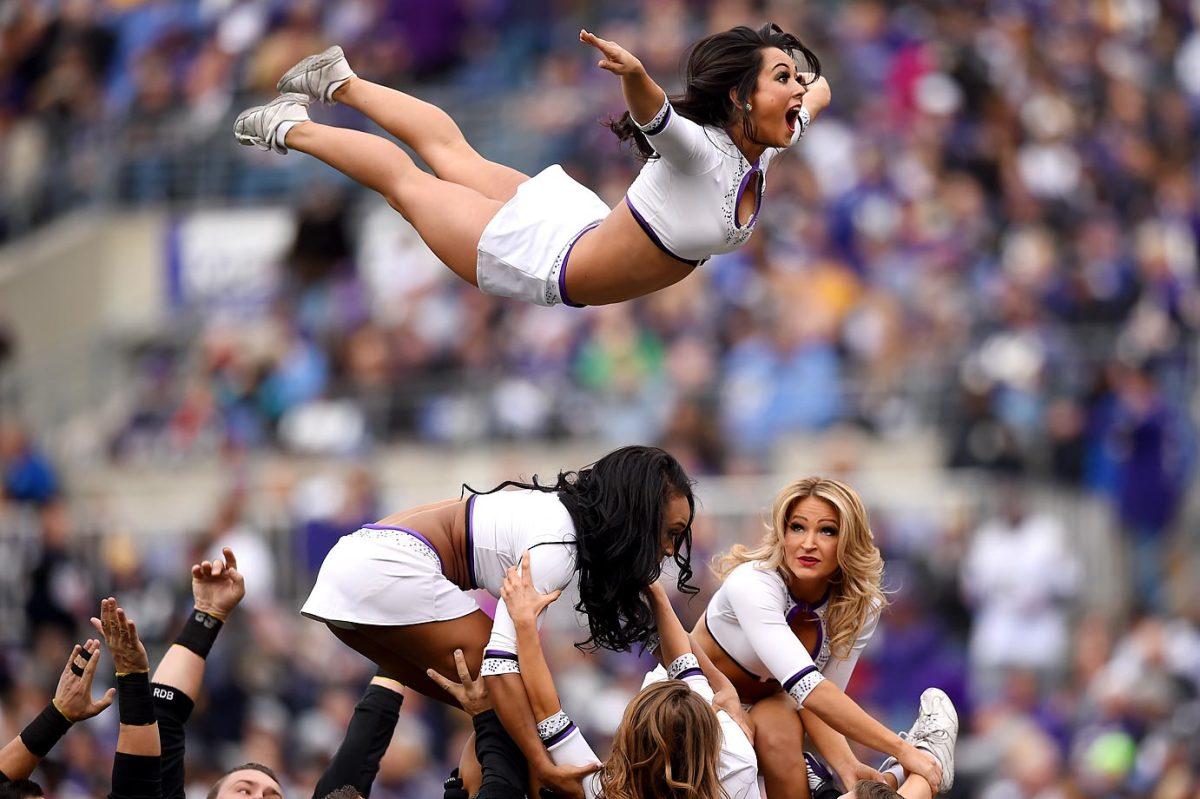 ravens-cheerleader.jpg
