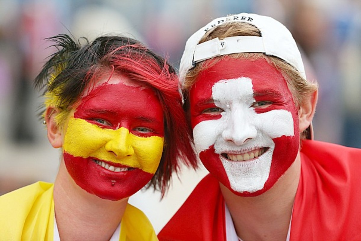 Fans prepare for tonight's blockbuster match. (Chris Hyde/Getty Images)