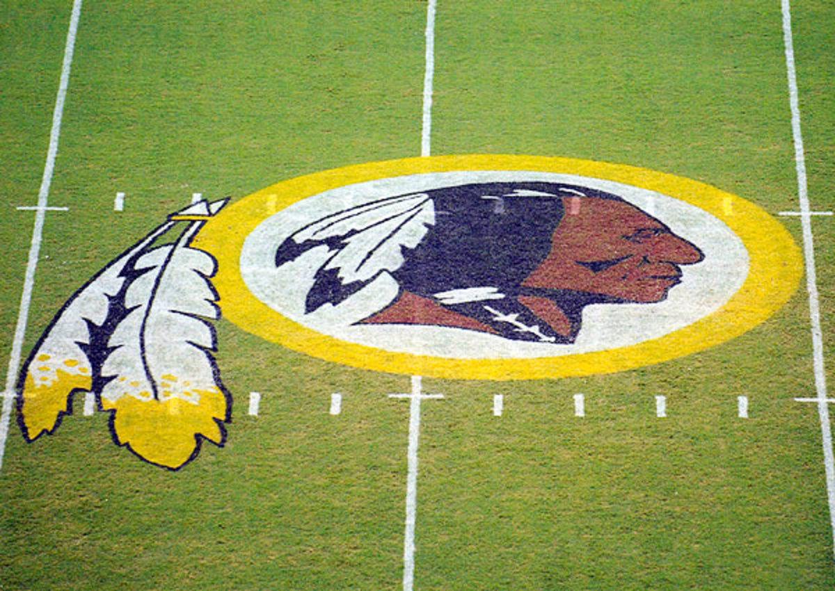 Washington Redskins should lose trademark says Nancy Pelosi