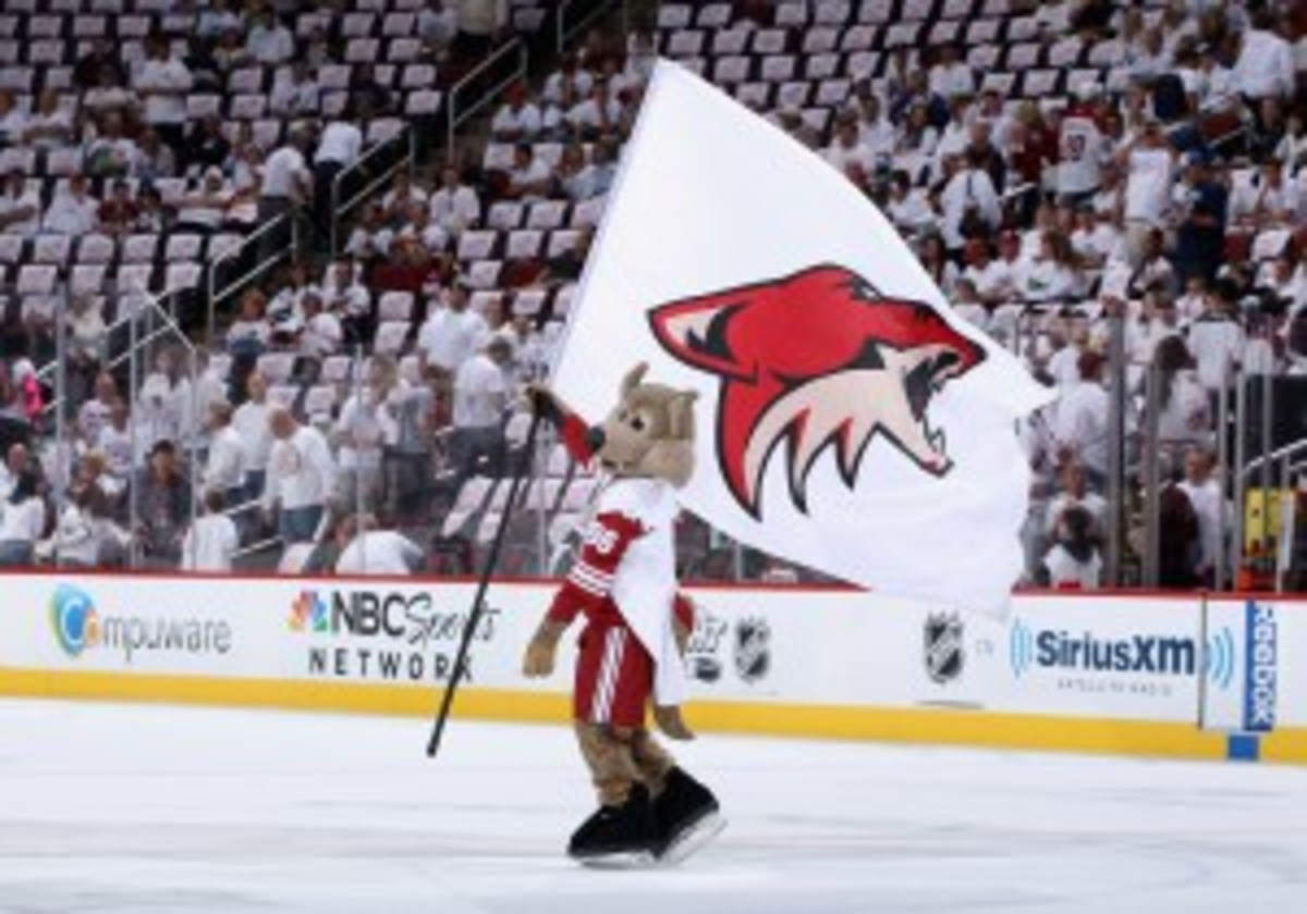 The Coyotes played in Phoenix from 1996-2003 before moving to Glendale. (Christian Petersen/Getty Images)