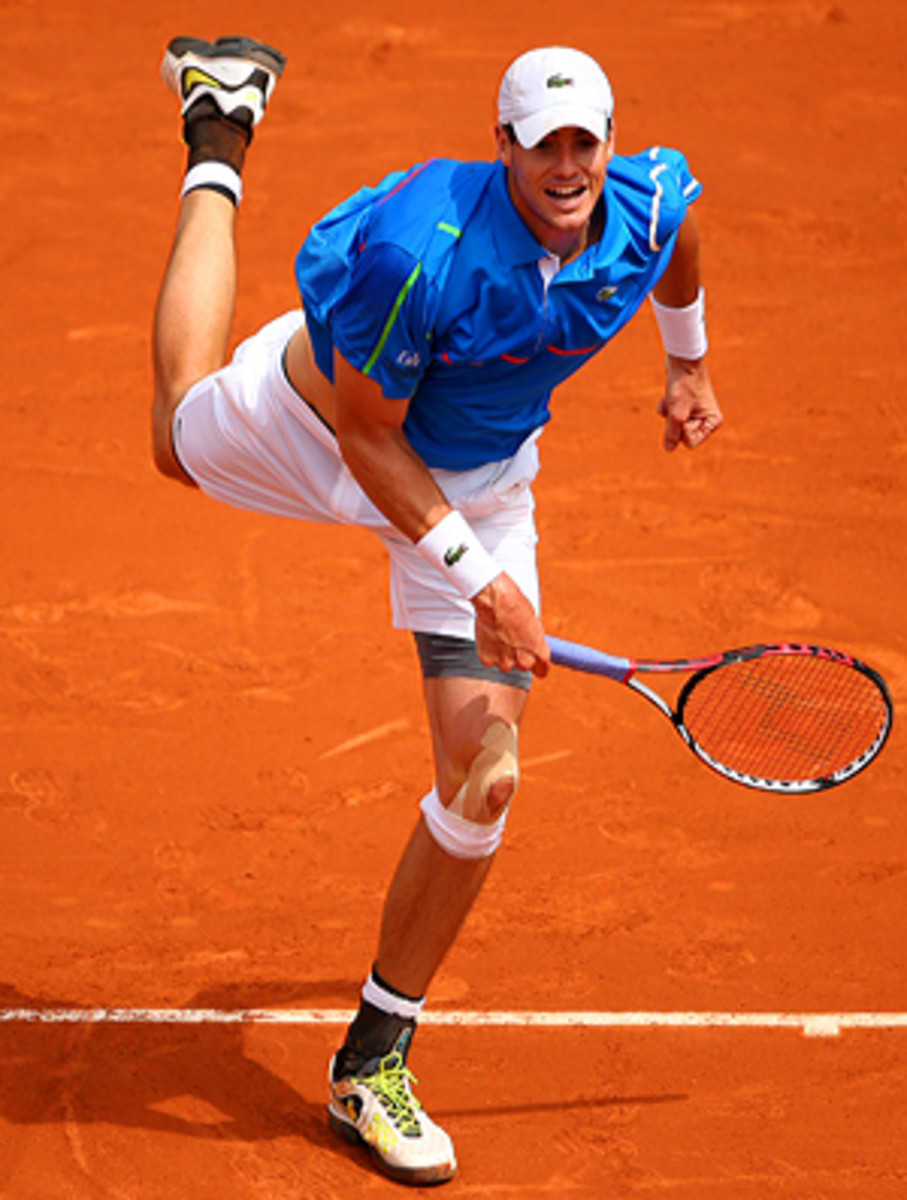 Of the 14 sets that John Isner played at Roland Garros, eight of them went to tiebreakers.