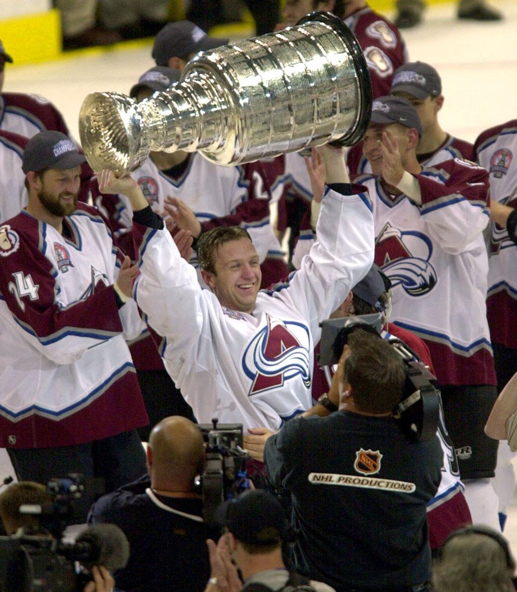 Rob-Blake-Avalanche-Stanley-Cup.jpg