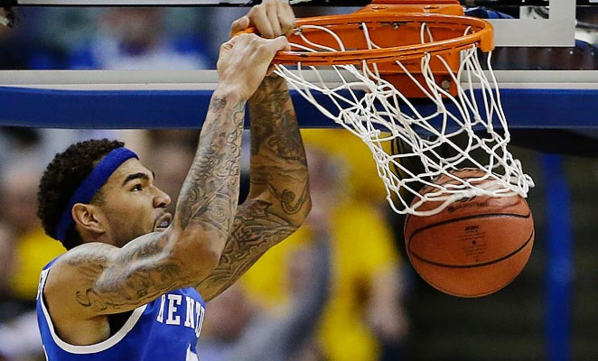 Willie Cauley-Stein left Kentucky's win over Louisville early in the first half with an ankle injury.