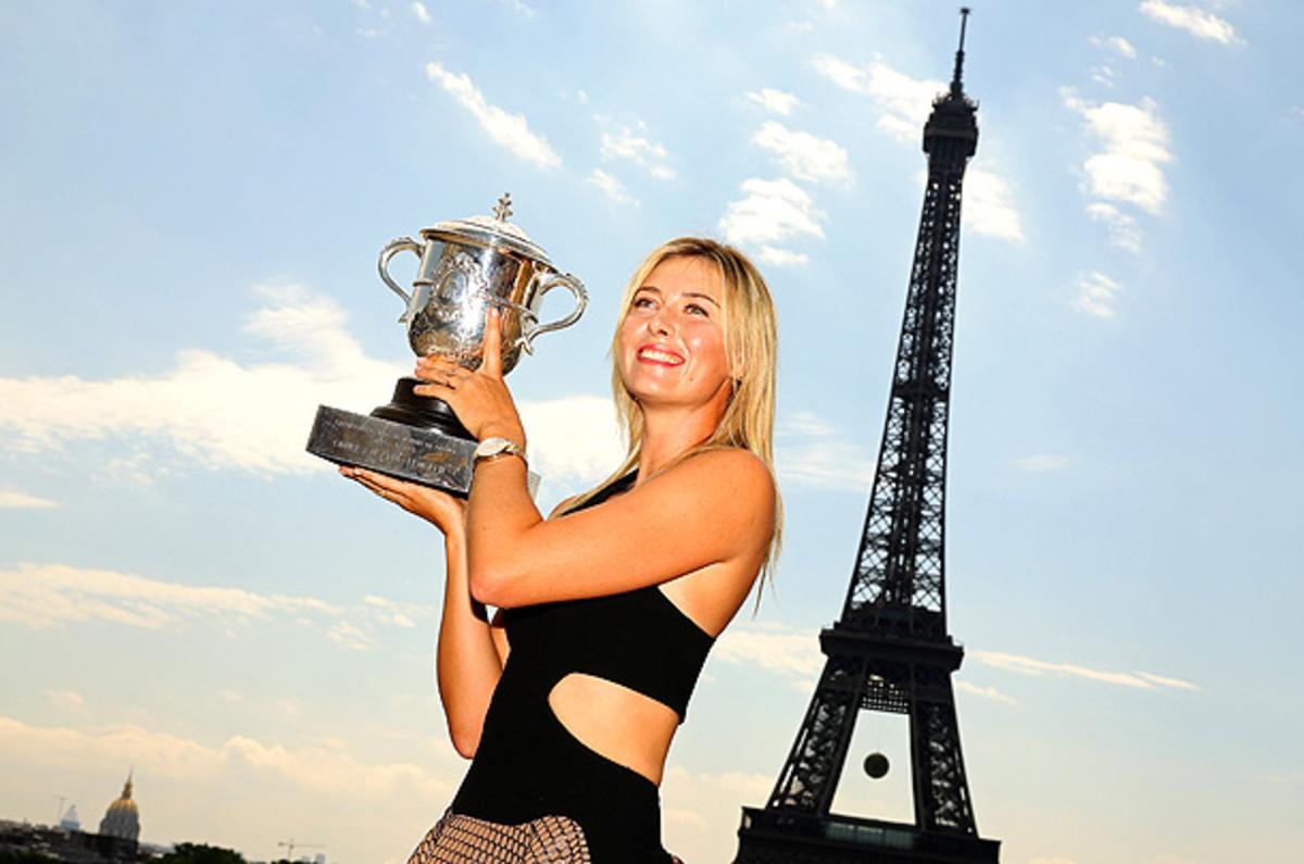 maria-sharapova-trophy-1