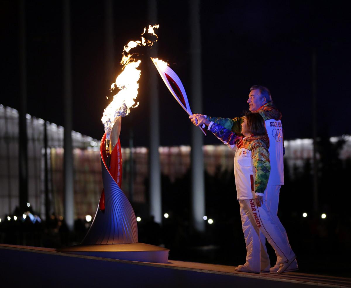 картинка факел олимпийского огня современных игр эскизу намного проще