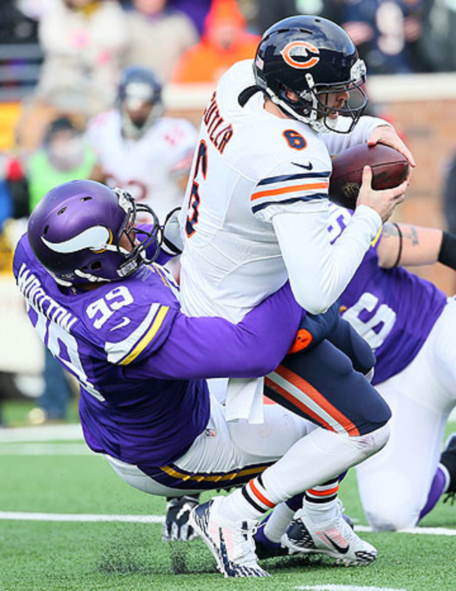 Jay Cutler's season finale included no touchdowns, a 4.8-yard per completed pass average and two sacks. (Adam Bettcher/Getty Images)