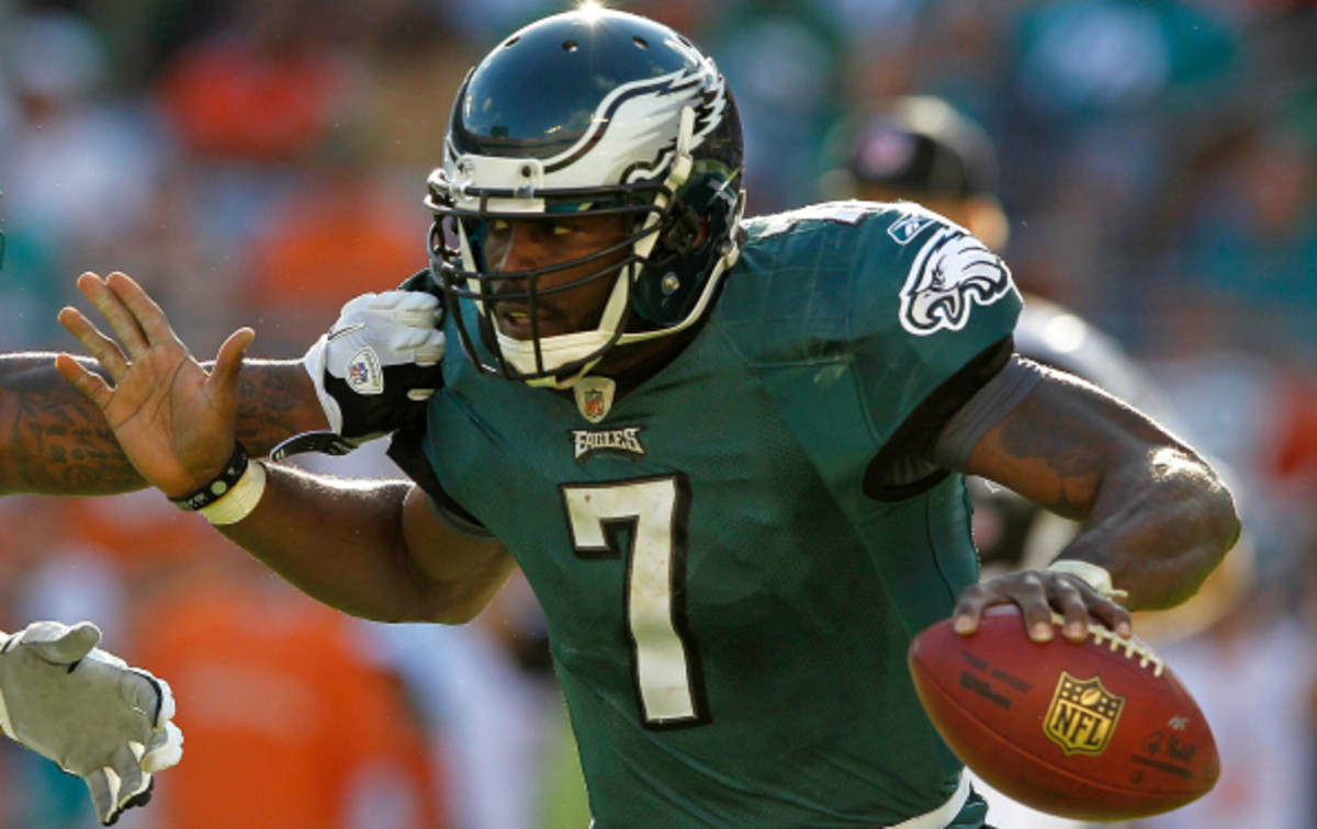 Eagles QB Mike Vick has left the game with a hamstring injury.