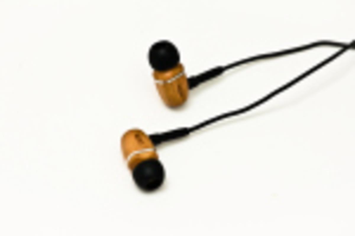 beech-earbuds