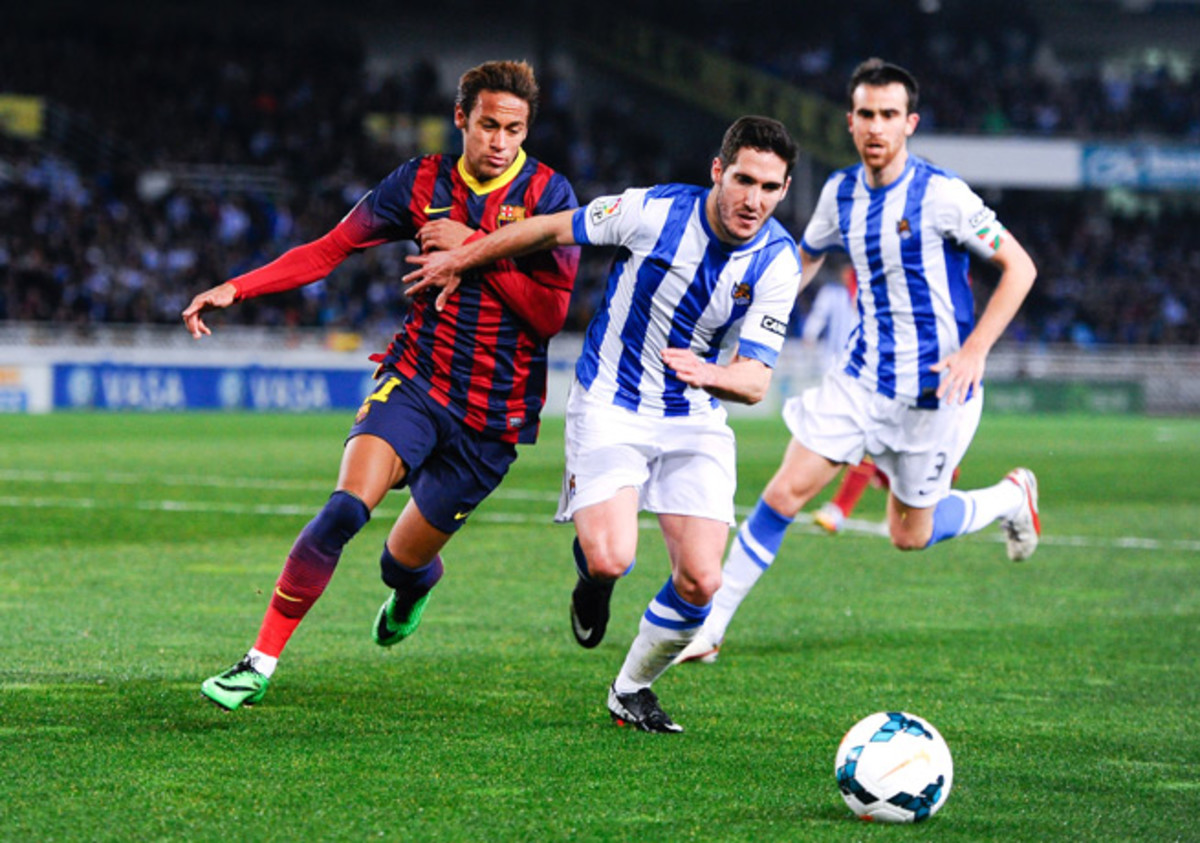 Neymar (left) and Barcelona couldn't pull out a victory over Joseba Zaldua and Real Sociedad.