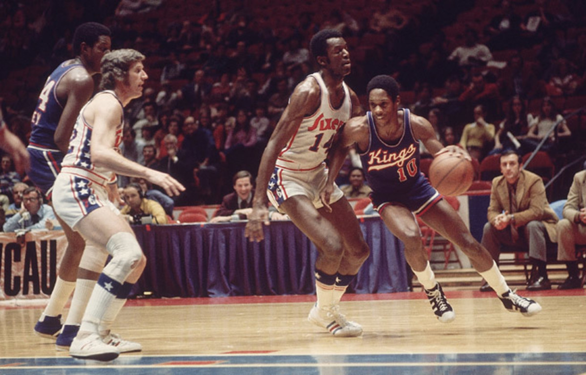 How bad were the '72 Sixers? They lost more games than the 2014 team and started 0-15.