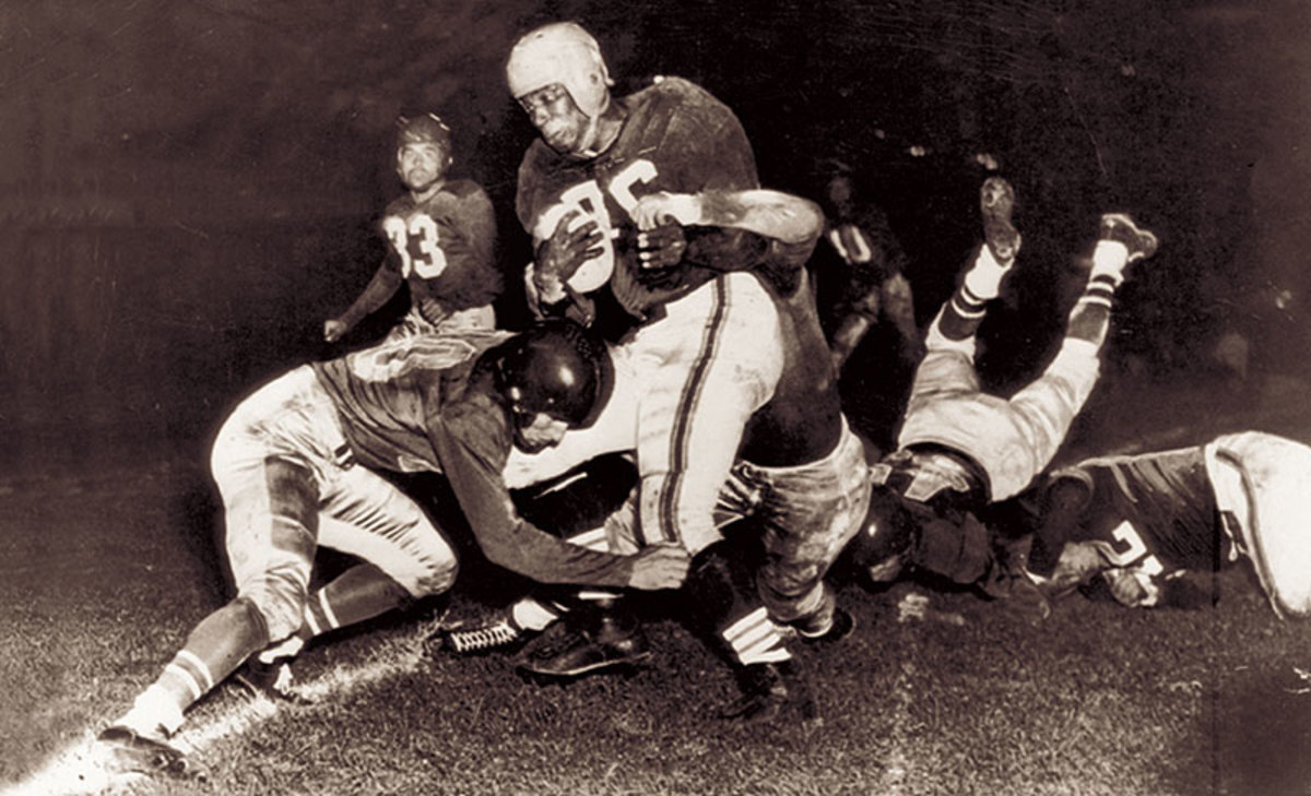Marion Motley and the Browns beat the Eagles 35-10, proving the AAFC teams could more than compete with their NFL counterparts. (AP/NFL Photos/Pro Football Hall of Fame)