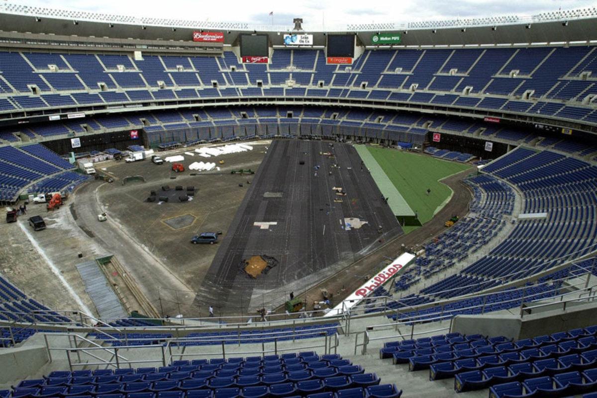 turf-veterans-stadium-turf-replacement-20011.jpg