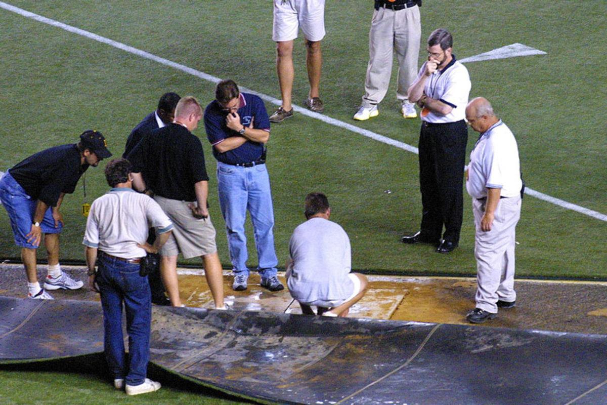 turf-veterans-stadium-bad-turf-2001.jpg