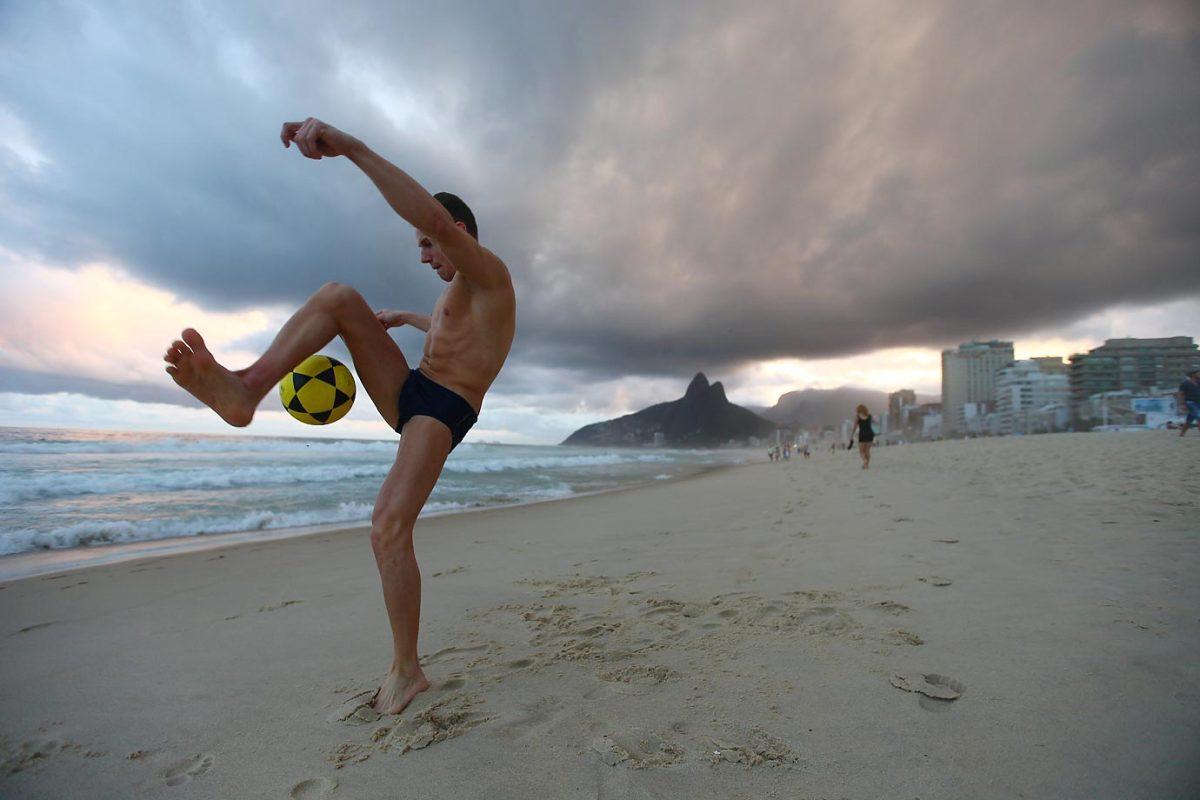 world-cup-scenes-X158334_TK9_2012.jpg