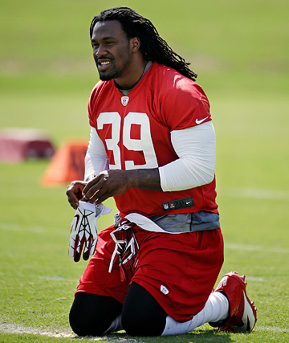 Steven Jackson is entering his 11th season, second with the Falcons. (John Bazemore/AP)