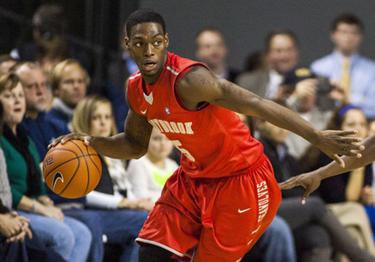 Jameel Warney scored 18 points to lead Stony Brook to a crucial win over Vermont Friday. (Peter Casey/USA TODAY Sports)