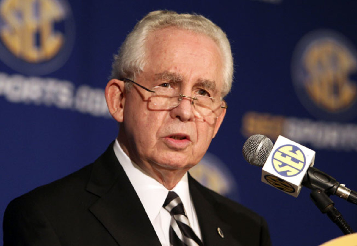 SEC commissioner Mike Slive wants a system in which power conferences are granted more autonomy.