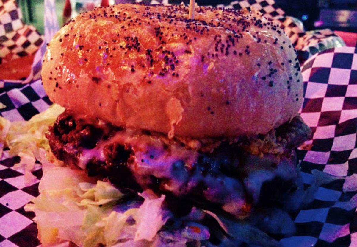 macho burger ppp