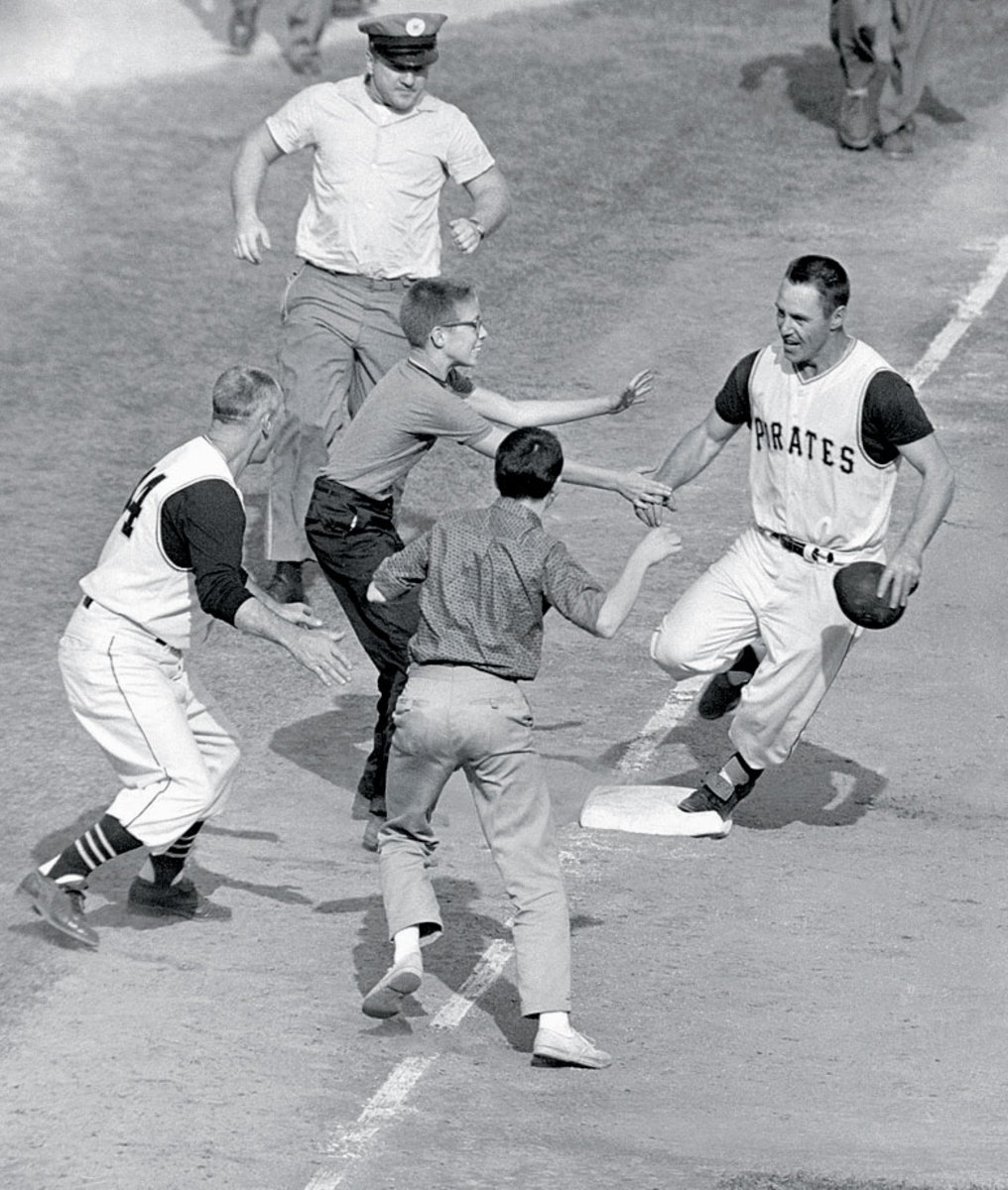 1960-World-Series-Bill-Mazeroski_0.jpg