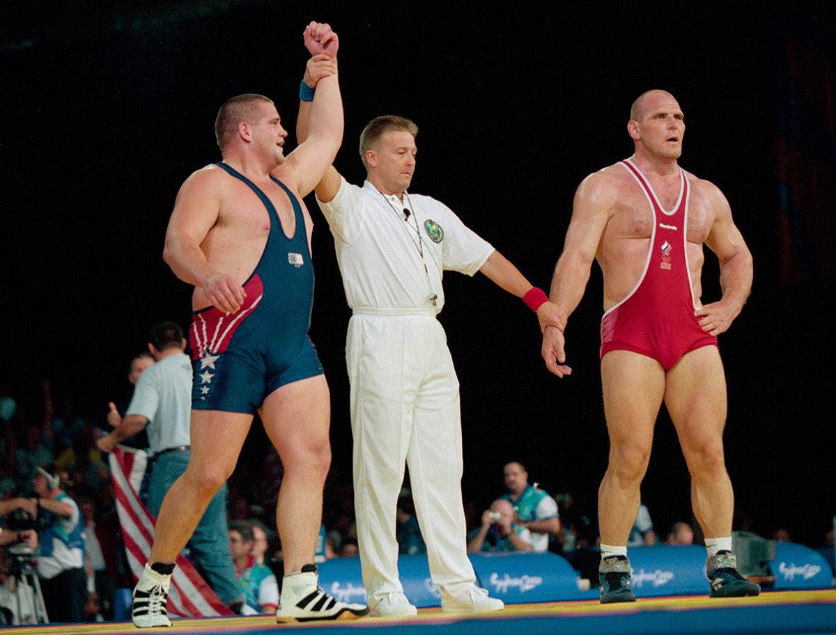 2000-Summer-Olympics-Rulon-Gardner-Alexander-Karelin-001083394.jpg