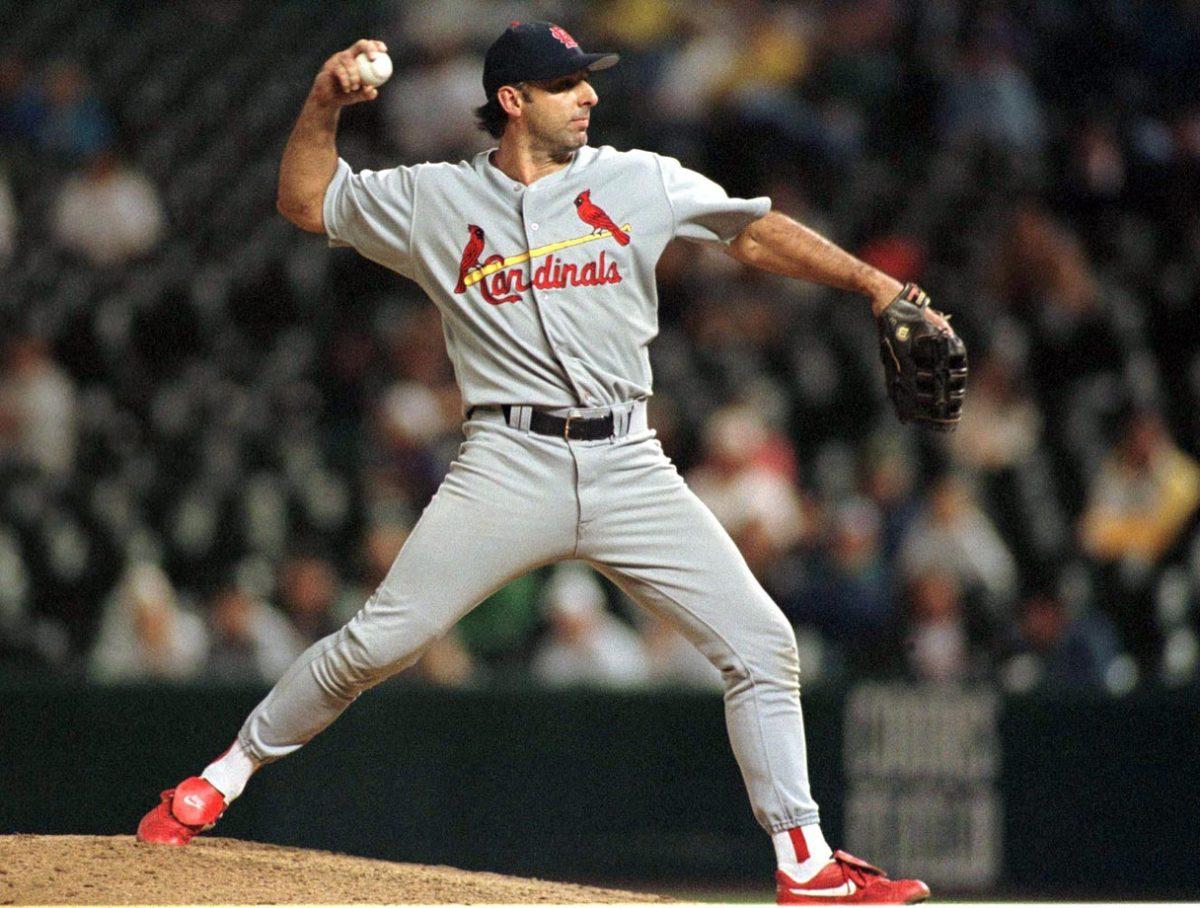 Gary-Gaetti-pitching.jpg