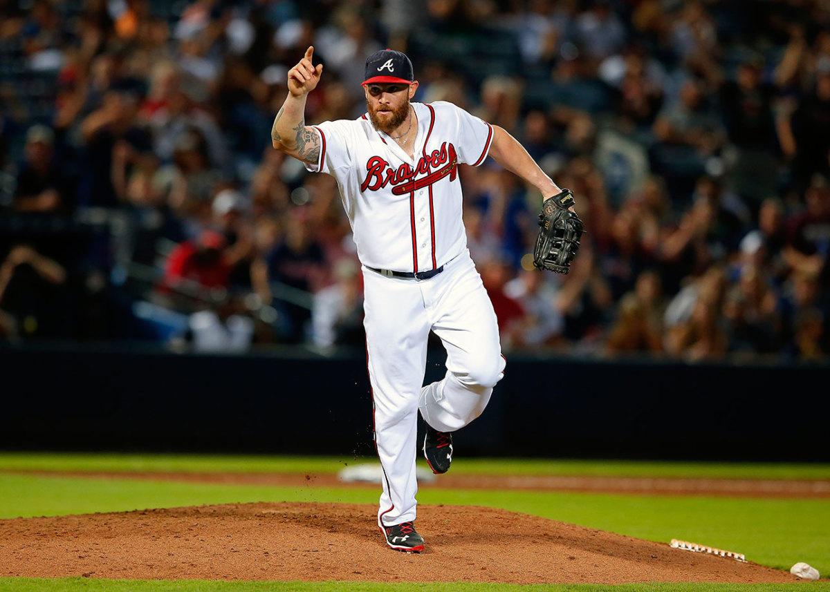 2015-0828-Jonny-Gomes-pitching.JPG