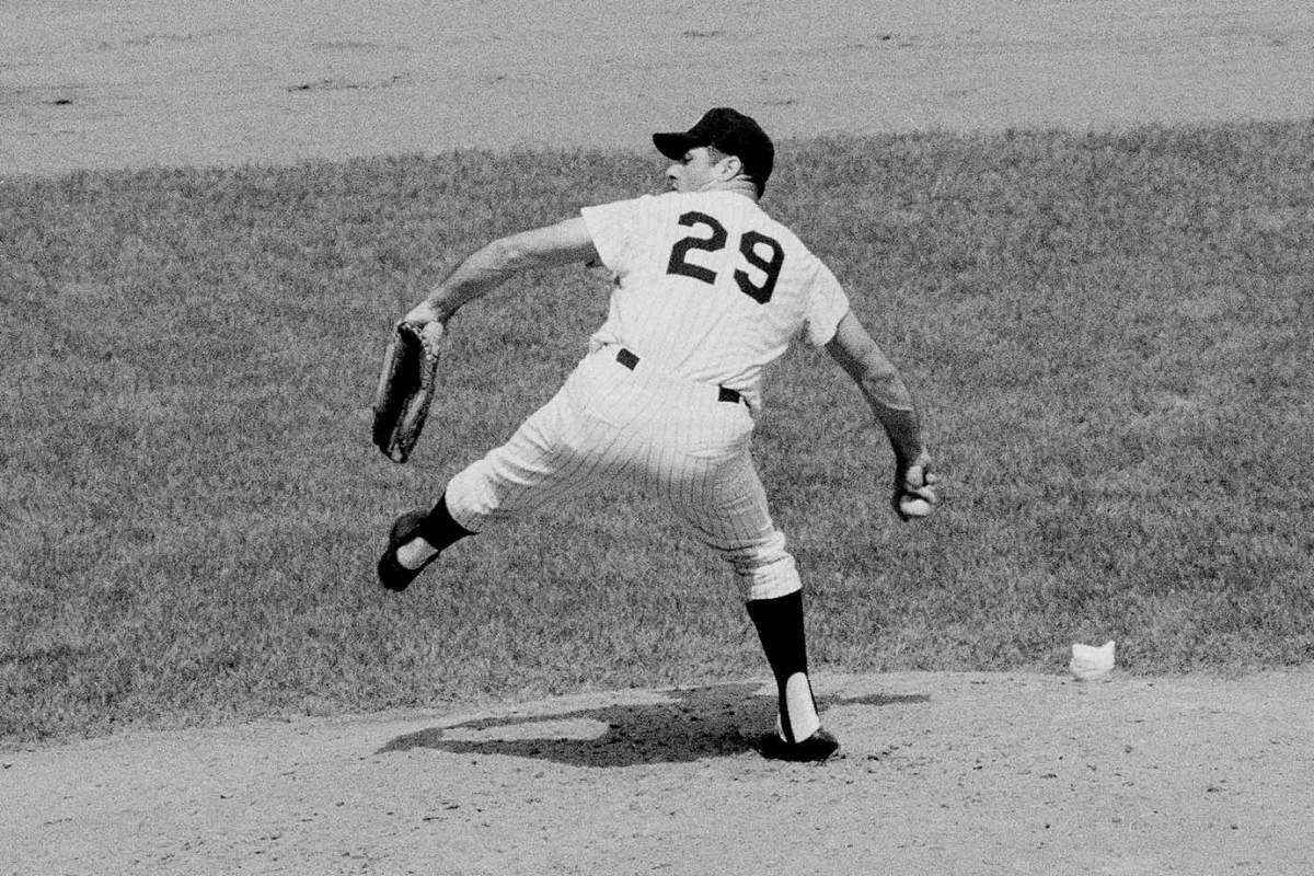 1968-Rocky-Colavito-pitching.jpg