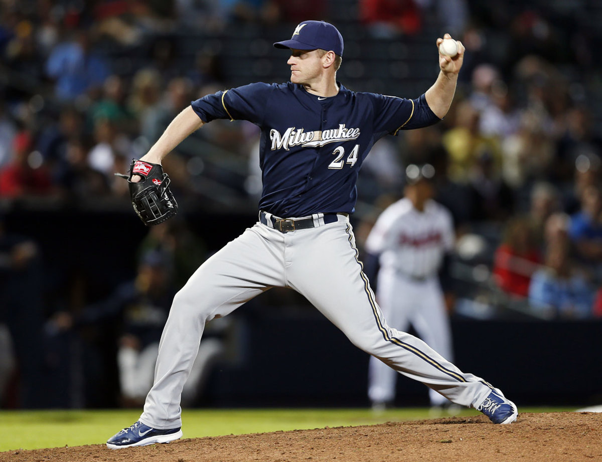 Lyle-Overbay-pitching.jpg